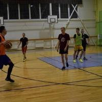 Skolas sacensības strītbolā